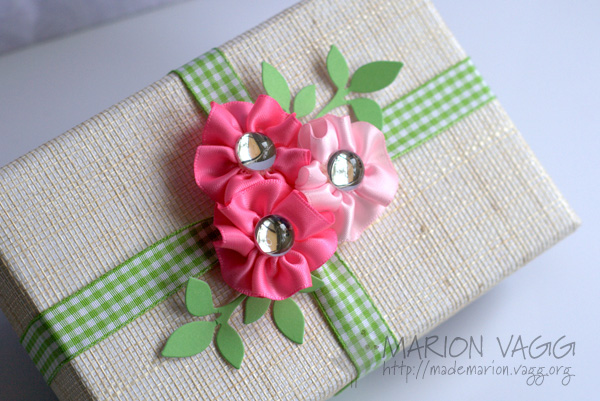Satin Ribbon Flowers Gift Box
