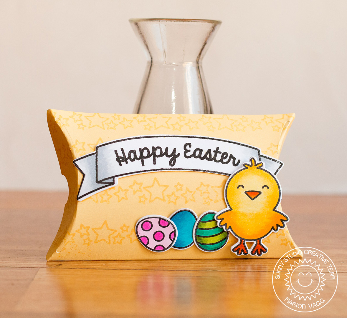 Happy Easter Pillow Box | Marion Vagg